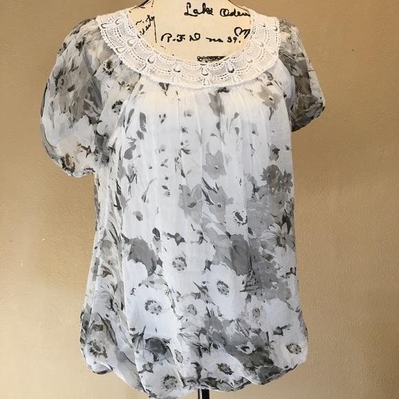 7d55951d5b674 Elena Baldi Tops - Elena Baldi silk crochet blouse NWOT